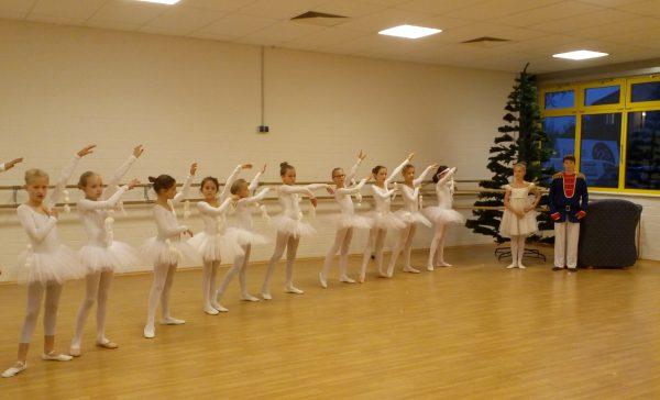 """Ballett """"Märchenstunde"""" in der Stadthalle Eckernförde"""
